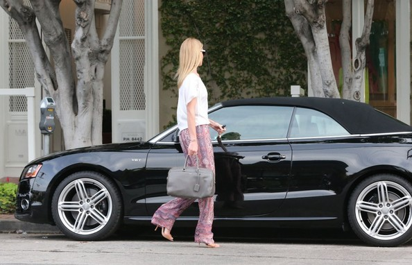 More Pics of Rosie Huntington-Whiteley Print Pants (1 of 24) - Print Pants Lookbook - StyleBistro