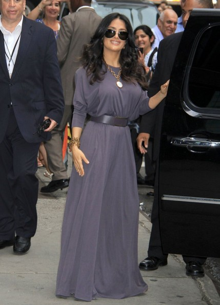 More Pics of Salma Hayek Print Dress (1 of 17) - Print Dress Lookbook - StyleBistro