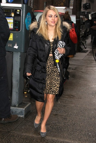 More Pics of AnnaSophia Robb Chain Strap Bag (5 of 5) - AnnaSophia Robb Lookbook - StyleBistro