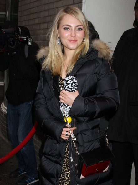 More Pics of AnnaSophia Robb Chain Strap Bag (3 of 5) - AnnaSophia Robb Lookbook - StyleBistro