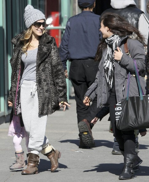 More Pics of Sarah Jessica Parker Fur Coat (7 of 12) - Sarah Jessica Parker Lookbook - StyleBistro