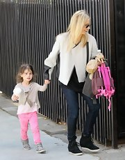 Sarah Michelle Gellar may be a busy mom, but that doesn't mean she can't stay stylish, as she showed with this white jacket.