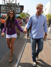 Sean Lowe opted for a casual look while out with Catherine Giudici, when he sported this blue gingham shirt.