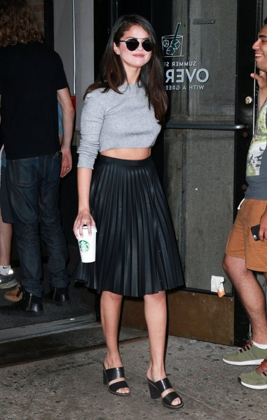 Selena Gomez went on a Starbucks run wearing a cropped gray sweater by Topshop.