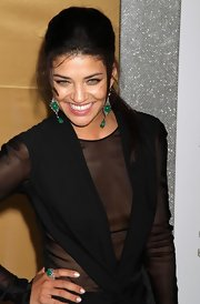 Jessica Szohr showed off her dangling earrings while attending the Sex and the City 2 premiere.