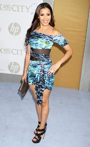 Julissa Bermudez looked stunning in her off-the-shoulder abstract print dress. The cut out silhouette looked sensational on her.