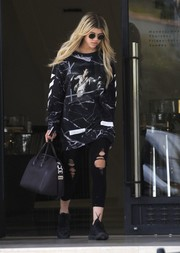 A chic black Givenchy tote completed Sofia Richie's ensemble.