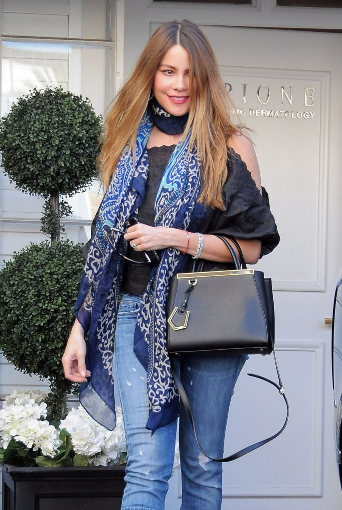 Sofia Vergara Patterned Scarf Accessories Lookbook