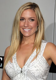 Kristin Cavallari stuck to her California girl ways with straight blond tresses parted softly down the side.