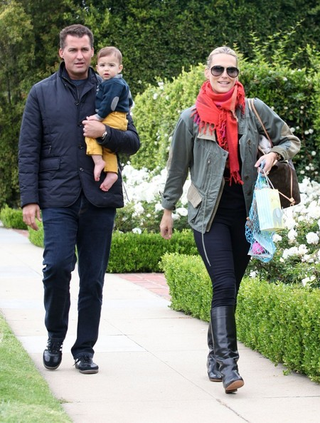 More Pics of Molly Sims Solid Scarf (1 of 7) - Solid Scarf Lookbook - StyleBistro