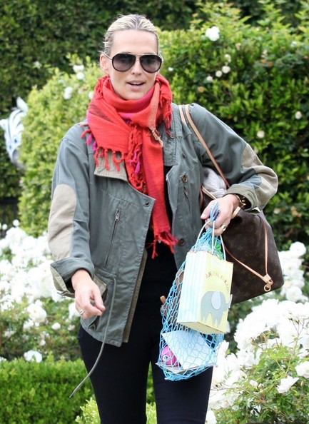 More Pics of Molly Sims Solid Scarf (4 of 7) - Molly Sims Lookbook - StyleBistro