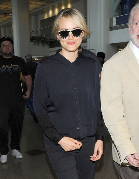 More Pics of Taylor Schilling Button Down Shirt (1 of 12) - Tops Lookbook - StyleBistro []