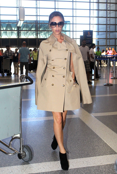 More Pics of Victoria Beckham Trenchcoat (4 of 8) - Victoria Beckham Lookbook - StyleBistro