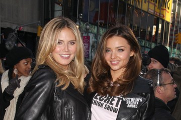 Heidi Klum Miranda Kerr Victoria's Secret Supermodels in Times Square