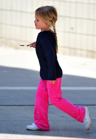 http://www2.pictures.stylebistro.com/fp/Violet+Affleck+Long+Hairstyles+Ponytail+_T2CEQOPw9ol.jpg