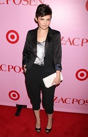 Style star Ginnifer Goodwin showed off her chic suit outfit at the Zac Posen for Target party. She paired her black suit with a simple white clutch.