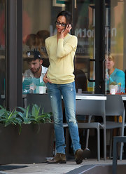 Zoe Saldana was a ray of sunshine in a lemon yellow sweater.