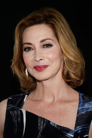 Sharon Lawrence wore her hair in a glamorous bob at the 'Rizzoli and Isles' 100th episode celebration.