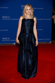 Kristen Bell channeled her inner princess in a lace-appliqued navy gown by Dolce & Gabbana at the White House Correspondents' Association Dinner.