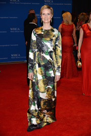 Cynthia Nixon kept it modest in a long-sleeve watercolor-print gown by Tia Cibani at the White House Correspondents' Association Dinner.