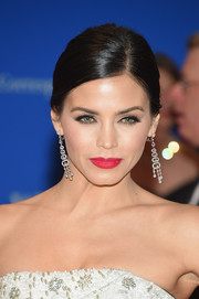 Jenna Dewan-Tatum amped up the glamour with a pair of diamond chandelier earrings by Casa Reale.
