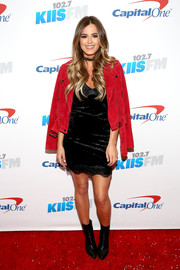JoJo Fletcher contrasted her tough outerwear with a sexy lace-trimmed LBD.