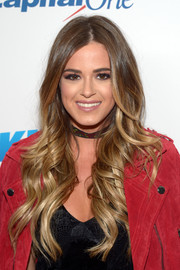 JoJo Fletcher rocked perfectly glam waves during KIIS FM's Jingle Ball 2016.