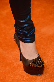 Avril rocked her signature punk style with this pair of gray studded heels.