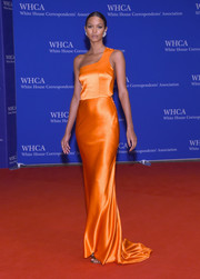 Lais Ribeiro radiated in an orange satin one-shoulder gown at the White House Correspondents' Association Dinner.