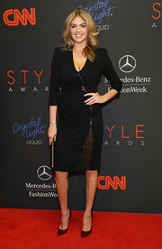 Kate Upton looked head-to-toe elegant in her LBD and dark red pointy pumps.