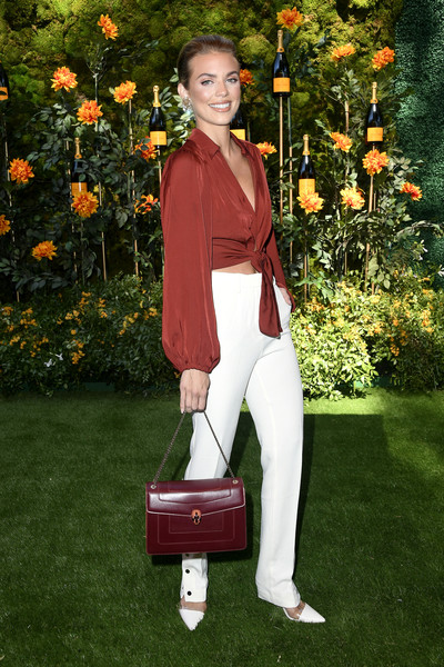 More Pics of AnnaLynne McCord Chain Strap Bag (1 of 3) - AnnaLynne McCord Lookbook - StyleBistro [plant,flower,arrivals,annalynne mccord,los angeles,pacific palisades,california,will rogers state historic park,veuve clicquot polo classic]