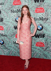 Annalise Basso looked fab in a low-cut pink Noon by Noor jacquard dress at the Women in Film pre-Oscar cocktail party.