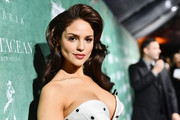 Eiza Gonzalez worked a Jessica Rabbit-inspired 'do at the Women in Film pre-Oscar party.