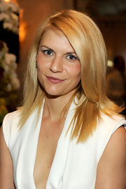 Claire Danes wore her golden blonde hair in a long straight layers at the 12th Annual AFI Awards.