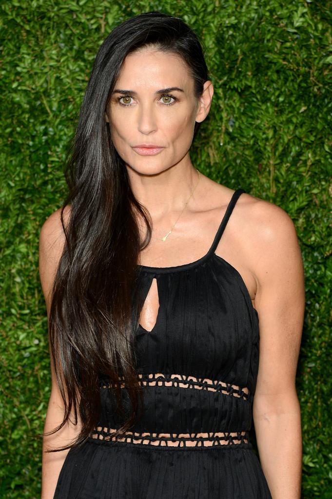 Demi Moore S Side Swept Hair Hairstyles For Women Over