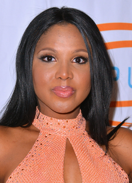 More Pics of Toni Braxton Metallic Eyeshadow (1 of 8) - Toni Braxton Lookbook - StyleBistro