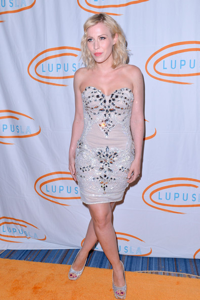 More Pics of Natasha Bedingfield Medium Wavy Cut (5 of 15) - Natasha Bedingfield Lookbook - StyleBistro