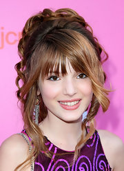 Bella Thorne showed off her voluminous messy updo while hitting the Young Hollywood Awards.