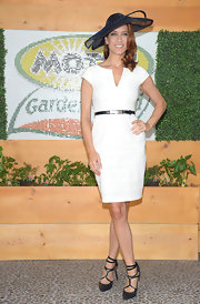 Kate Walsh sizzled at the Kentucky Derby in strappy navy patent pumps.