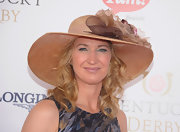 Steffi Graf's big straw hat fit right in at the races.
