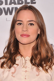 Christa B. Allen looked lovely with loose waves!