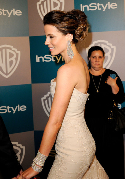 More Pics of Kate Beckinsale Box Clutch (1 of 9) - Kate Beckinsale Lookbook - StyleBistro