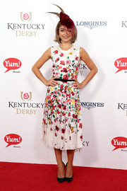 Sarah Hyland was the picture of springtime sweetness in this Oscar de la Renta floral frock during the Kentucky Derby.