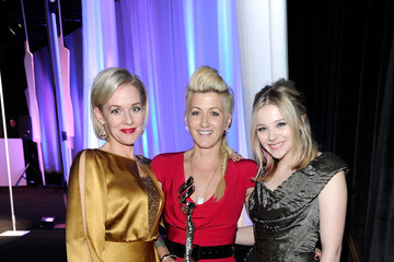 Penelope Ann Miller Chloe Grace Moretz Backstage at the Costume Designers Guild Awards