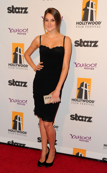 More Pics of Shailene Woodley Box Clutch (1 of 6) - Shailene Woodley Lookbook - StyleBistro