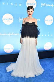 Sofia Carson looked downright darling in a black-and-white off-the-shoulder tulle gown by Giambattista Valli Couture at the 2019 UNICEF Snowflake Ball.