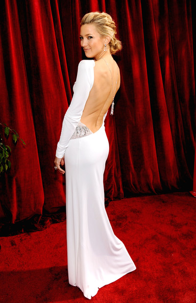 http://www2.pictures.stylebistro.com/gi/16th+Annual+Screen+Actors+Guild+Awards+Red+X8J8i_3brN5l.jpg