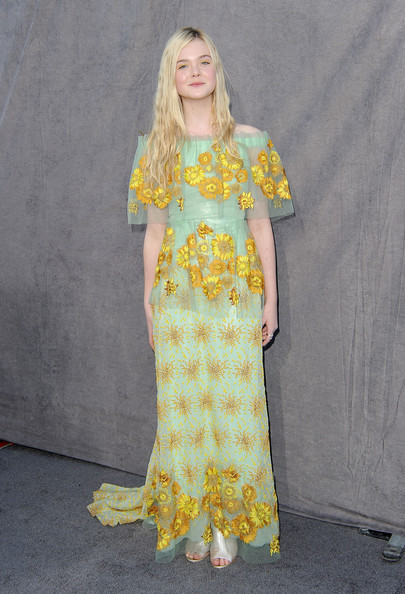 More Pics of Elle Fanning Long Straight Cut (1 of 10) - Elle Fanning Lookbook - StyleBistro