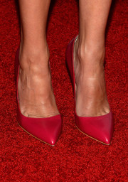 Julia Roberts chose a pair of pink Rupert Sanderson pumps to complete her Hollywood Film Awards look.