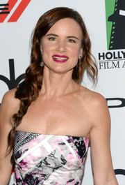 Juliette Lewis looked sweet and youthful at the Hollywood Film Awards with her loose side braid.